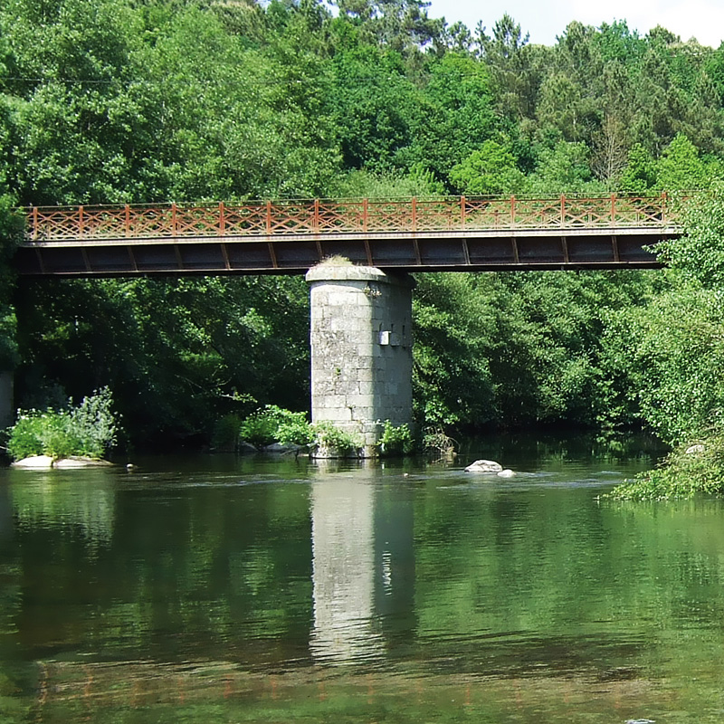 SANTAR BRIDGE OVER THE RIVER VEZ